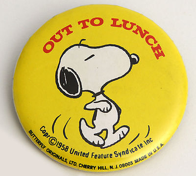 Vtg Snoopy Out to Lunch Pin Metal Tin Litho USA Feature Syndicate Peanuts Yellow