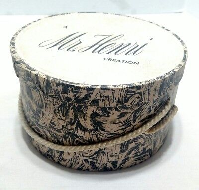 """Vintage Mr. Henri Creation Hat Box 7 1/2"""" x 4 1/4"""" Small Collectable Hat Box"""