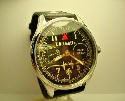 MOLNIJA Molnia Luftwaffe mens wrist watch Chistopol 18 Jewels Vintage USSR watch