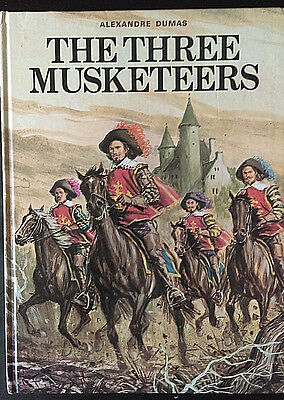 THE THREE MUSKETEERS Alexandre Dumas WORLD DISTRIBUTORS HardCover Annual 1972/3