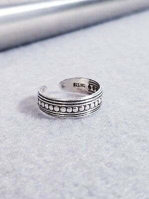 925 Sterling Silver Modern Groove and Ball Toe Ring