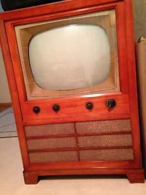 RCA Victor Television In Wood Cabinet Vintage 1950's