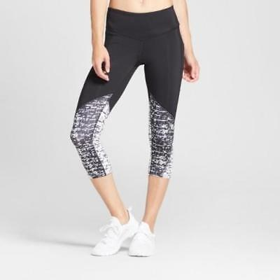 42a15a0856 C9 Champion Women's Embrace Digital Print Capri Leggings - Black & White  Size XS