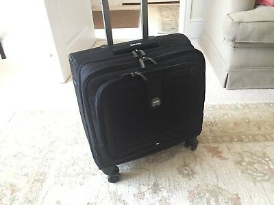 2f18e102a6e1 DELSEY LUGGAGE CRUISE Lite Softside Spinner Trolley Tote