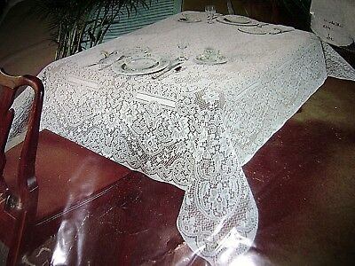 "Vintage Beautiful QUAKER LACE Buckingham Tablecloth Linen 54""x 70"""