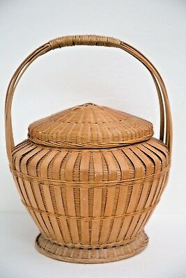 Vintage Folk Art Chinese BAMBOO WICKER BASKET WITH LID HANDLE