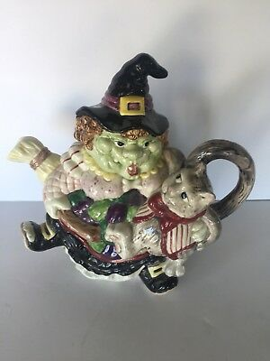 Vintage 1982 Fitz & Floyd Teapot Witch with Black Cat under Arm 37 oz