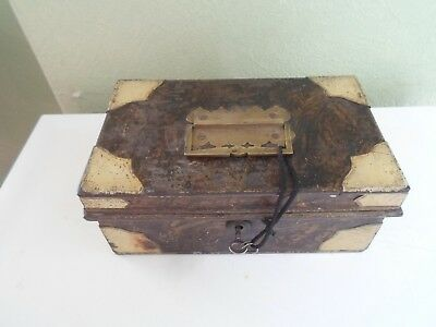 VINTAGE RETRO Quirky Old Cash Tin With Brass Lock+Key - Display / Prop