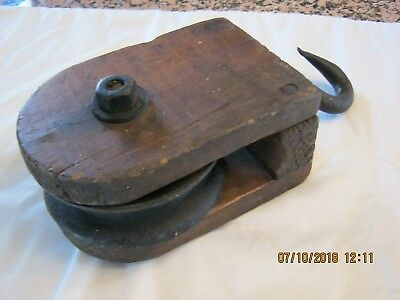 Antique Wooden Pulley, Very Unusual, Found In Old Pennsylvania Barn, Must See