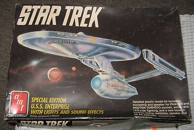STAR TREK  SPECIAL EDITION U.S.S. ENTERPRISE w/LIGHTS & SOUND MODEL KIT 1991