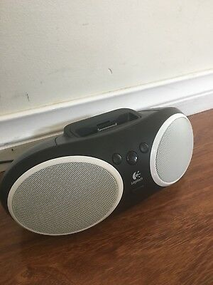 Logitech S125i Portable Speaker Dock For iPod 1,2 And iPhone 1,2,3,4
