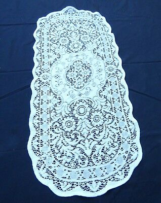 """Vintage Quaker Lace Table Runner Dresser Scarf 13.5 x 34"""" Oval White Cotton"""