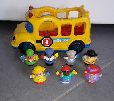 Lot 1 bus scolaire + 7 figurines LITTLE PEOPLE FISHER PRICE - lot n°1