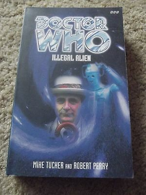Illegal Alien - Mike Tucker & Robert Perry Doctor Who PDA BBC Books (RARE)
