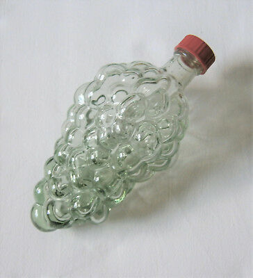 Hellgrüne Glasflasche (0,25 cl) in Traubenform  - 17,5 x 7,5 cm
