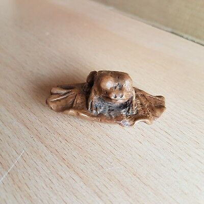 13# Old Antique Japanese Carved Box Wood Netsuke of Frog