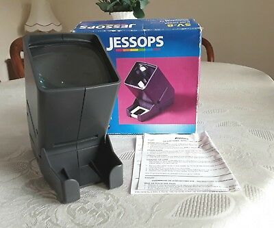 Jessops SV-8 35 mm colour slide viewer in good condition. Boxed.