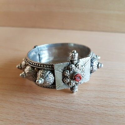 48# Old Rare Antique Islamic Yemeni Silver Bracelet with Coral