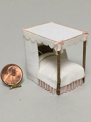 Sue Hoeltge Dollhouse Miniature 1/48 Scale Canopy Bed
