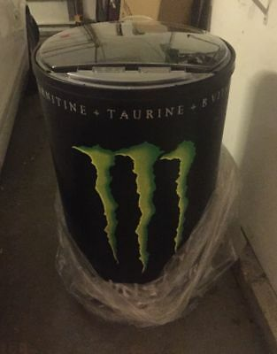Monster Energy Non-Electric Cooler W / Wheels