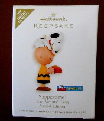 "Vtg 2008 PEANUTS Gang ""SUPPERTIME"" HALLMARK Snoopy & Charlie ORNAMENT w Box"