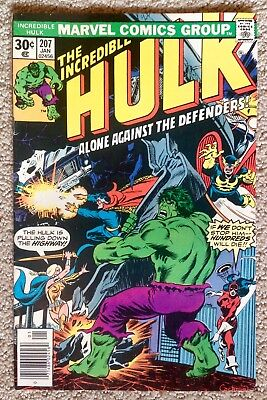 Incredible Hulk #207 (1977) Marvel! Alone Against The Defenders! PRICED TO SELL!