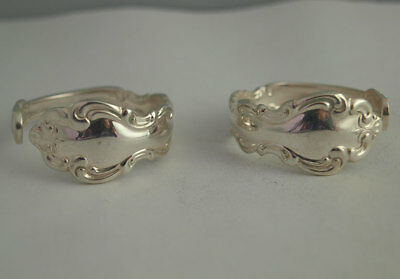 Pretty Pair Of Silver Plated Napkin Rings.