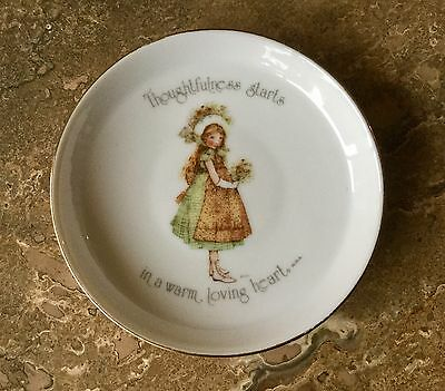 "Holly Hobbie Pin Trinket Dish Vintage 1970's ""Thoughtfulness Starts In A Warm.."