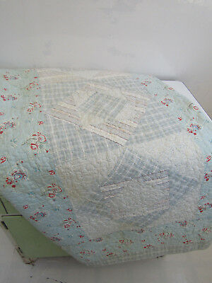 Vintage 1940's Pale Blue & Pink Ditsy Floral Patchwork Throw Bedspread Quilt