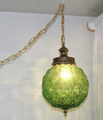 VTG 1970s GREEN GLASS HANGING SWAG LAMP WITH CHAIN SWAG LIGHT 9 INCH GLOBE