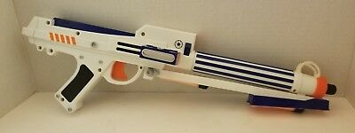 Nerf 2006 Star Wars Clone Trooper Blaster Dart Gun w/3 darts Lighted Sight