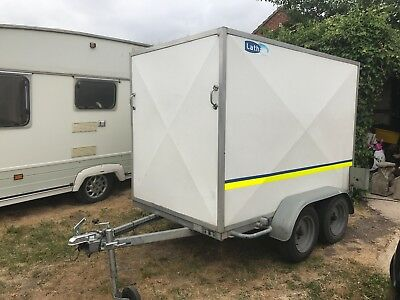 Twin axle box trailer light weight excellant condition