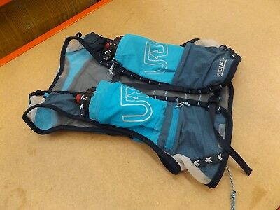 new concept 2fc21 a9f27 < ULTIMATE DIRECTION Ultra Vest 4.0 SMALL SIGNATURE BLUE