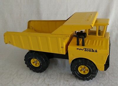 Vintage Tonka Mighty Dump Truck Toy 1974 – 1975 Era GREAT Condition Cab Wheels