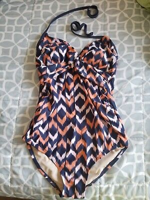 Liz Lange target maternity swimsuit small