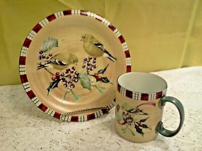 Lenox Winter Greetings Everyday Goldfinch  Luncheon Plate & Mug Set
