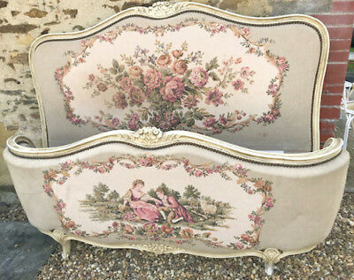 Decorative Vintage French Demi-Corbeille Capitone Double Bed - Tapestry Fabric