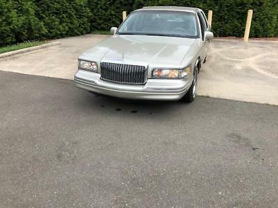 Town Car Executive 1997 Lincoln Town Car EXECUTIVE
