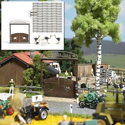 Busch The Ostrich Farm 1038 HO Scale (suit OO also)