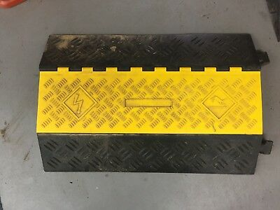 """2 x Heavy Duty 2 Channel Outdoor Cable Protector Road Ramp For 3 1/4"""" Cables"""