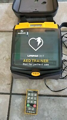 MEDTRONIC LIFEPAK Defbrillator CR-T AED TRAINER W/ Remote & Carrying Case NICE!