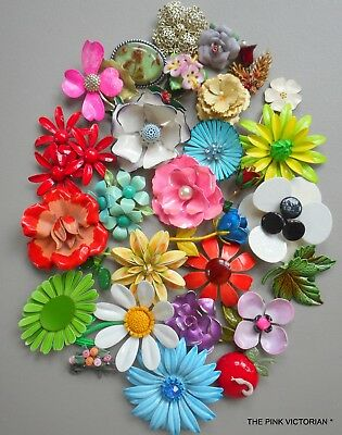 LOT of 30 VINTAGE FLOWER PINS, COLORFUL COLLECTION,PERFECT FOR BRIDAL BOUQUET,38