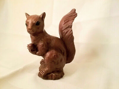 "RED MILL MFG Crushed Pecan Shell 5"" SQUIRREL Figurine, #461, Carved in 1995"