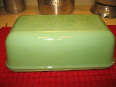 Fire king Jadite Green Philbe Loaf Pan Dish & Lid. VINTAGE-EUC