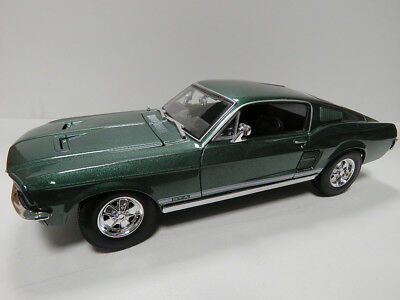 1/18 FORD MUSTANG GTA FASTBACK 1967 - MAISTO SPECIAL EDITION - Green