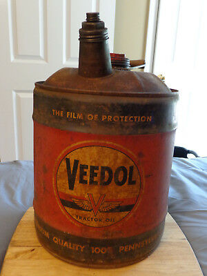 Veedol 5 Gallon Tractor Oil Can With Caps, Handle