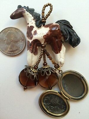 BAY PINTO PAINT Horse totem MADE IN USA ceramic w BRONZE OVAL OPENING LOCKET