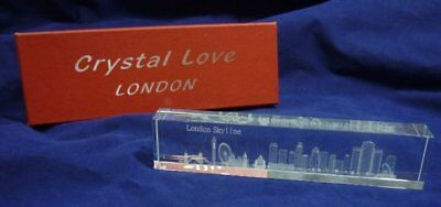 London Sky Line 3D Laster Etched Crystal Paper Weight 18G029