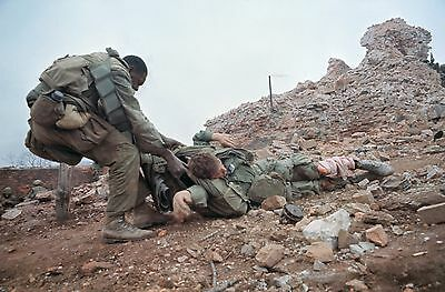 Vietnam War U.S Army Waiting For Evac Of Wounded /& Deceased 8.5x11 Rare Photo