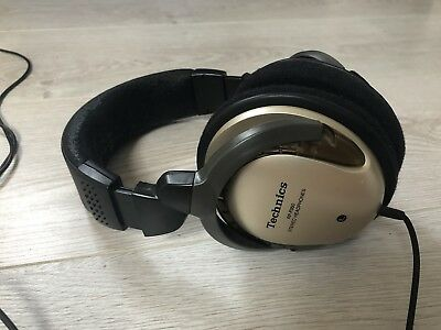 Technics Rp-F350 Stereo  Headphones . Excellent Sound